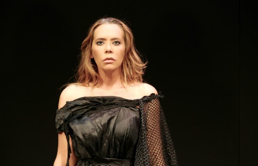 """Gli occhi folli di """"Medea"""": Barbara De Rossi al teatro romano di OstiaAntica"""