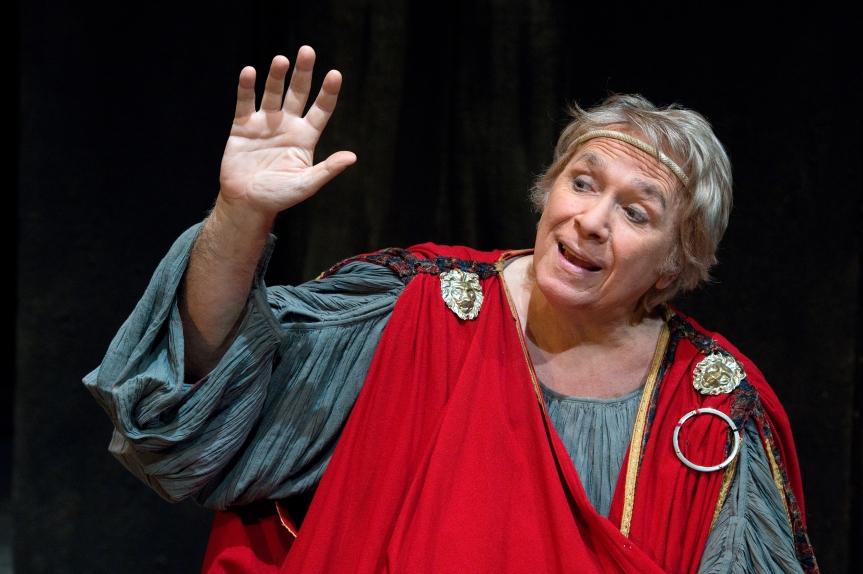 """Tato Russo presenta i suoi """"Menecmi"""" al teatro romano di OstiaAntica"""