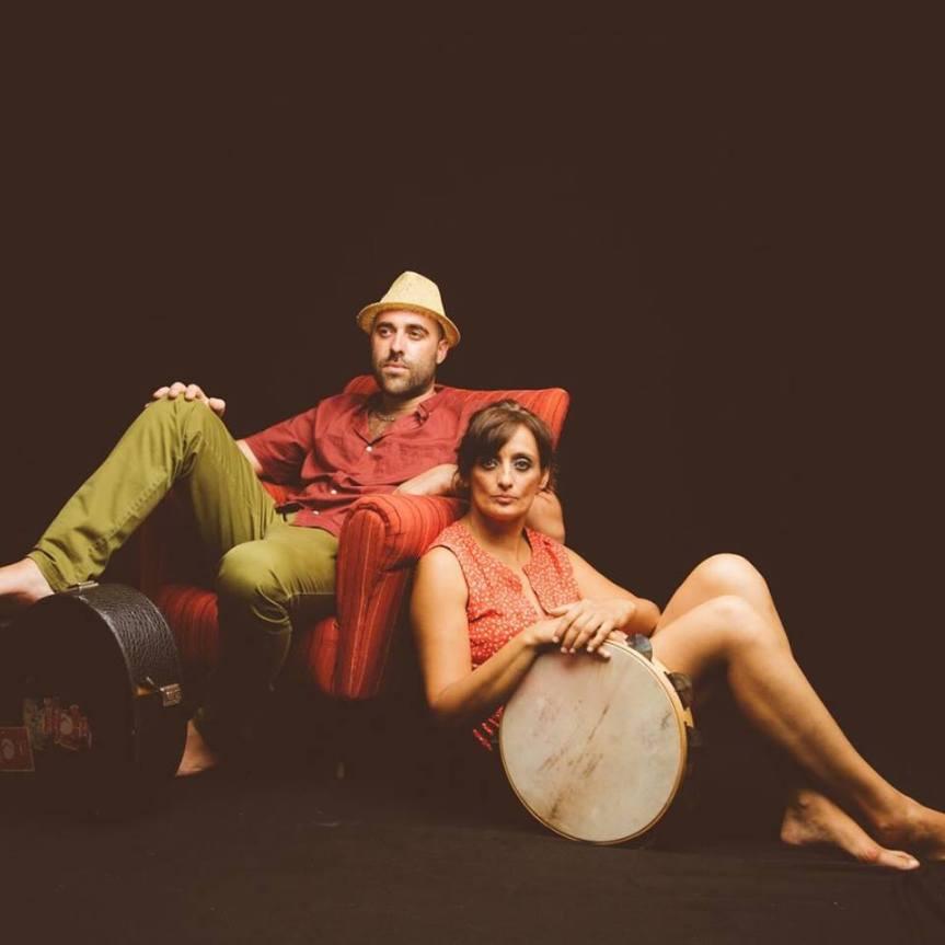 Teatri di Pietra | MAREA – CANTI E MUSICHE DEL SALENTO di e con Enza Pagliara e DarioMuci