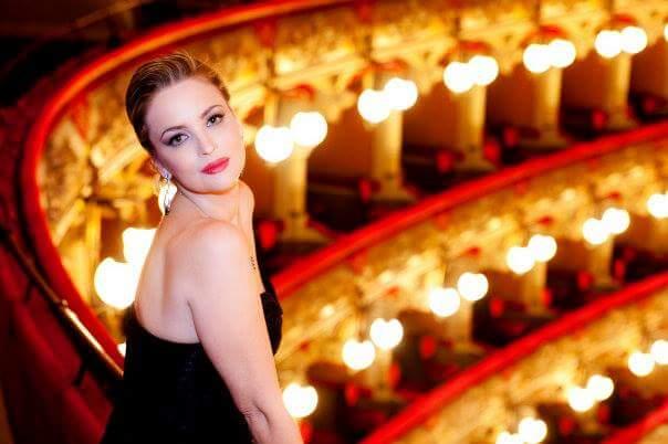 Festival Internazionale del Teatro Romano di Volterra: PREMIO OMBRA DELLA SERA, l'Oscar del Teatroitaliano