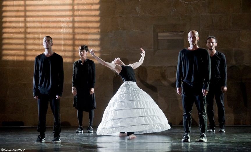 Teatro Vascello | La danza apre la nuova stagione: dal 12 settembre COLLAPSE – LITTLE SOMETHING – theKITCHENtheory
