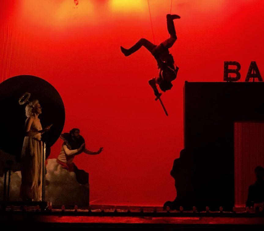 Teatro della Pergola   UN CUORE DI VETRO IN INVERNO di e con FilippoTimi
