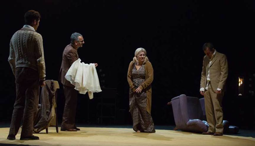 Recensione | LUNGA GIORNATA VERSO LA NOTTE al teatroVascello