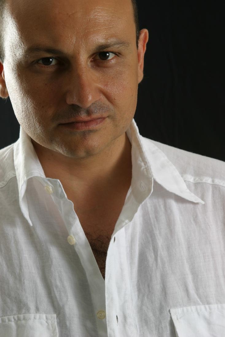 Il 5 marzo Fondamenta Teatro e Teatri presenta Giuseppe Argirò in ILVIAGGIO