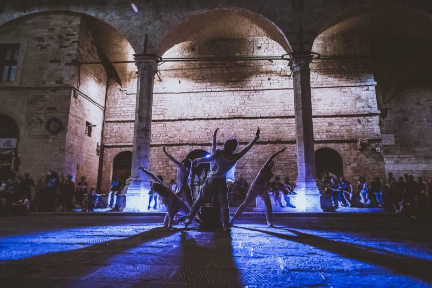 Teatro Esperia  Il 15 marzo a Bastia Umbra va in scena INAsuite