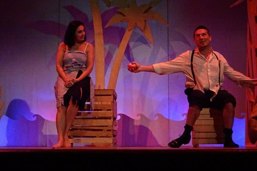 Teatro Tor Bella Monaca | Dal 7 maggio TRE CUORI E UNA CAPANNA IN UN'ISOLA DEI MARI DELSUD