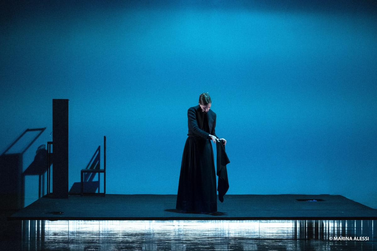 Piccolo Eliseo | ACCABADORA con Anna Della Rosa dal 14 novembre